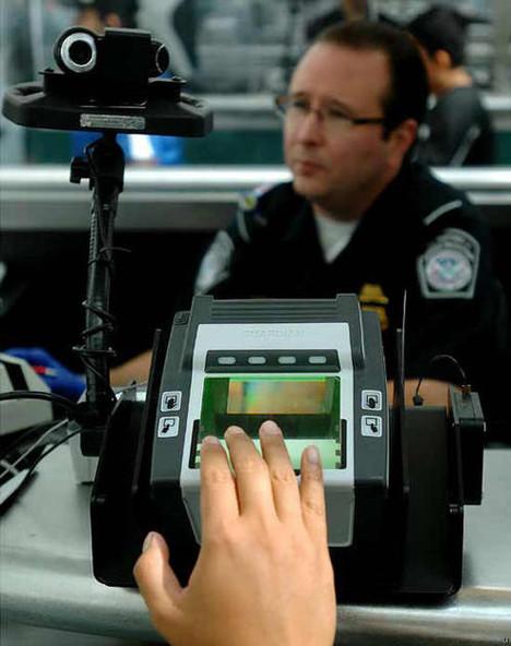 https://raykliu.files.wordpress.com/2013/05/airport-security-5.jpg