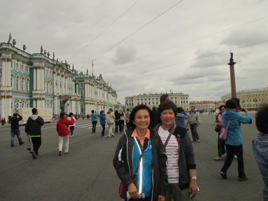 Hermitage Museum on left, including former Winter Palace. One of the world's largest art museums with 3 million pieces of collection.