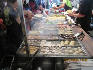 All kinds of fish and meat balls, curry or other flavors